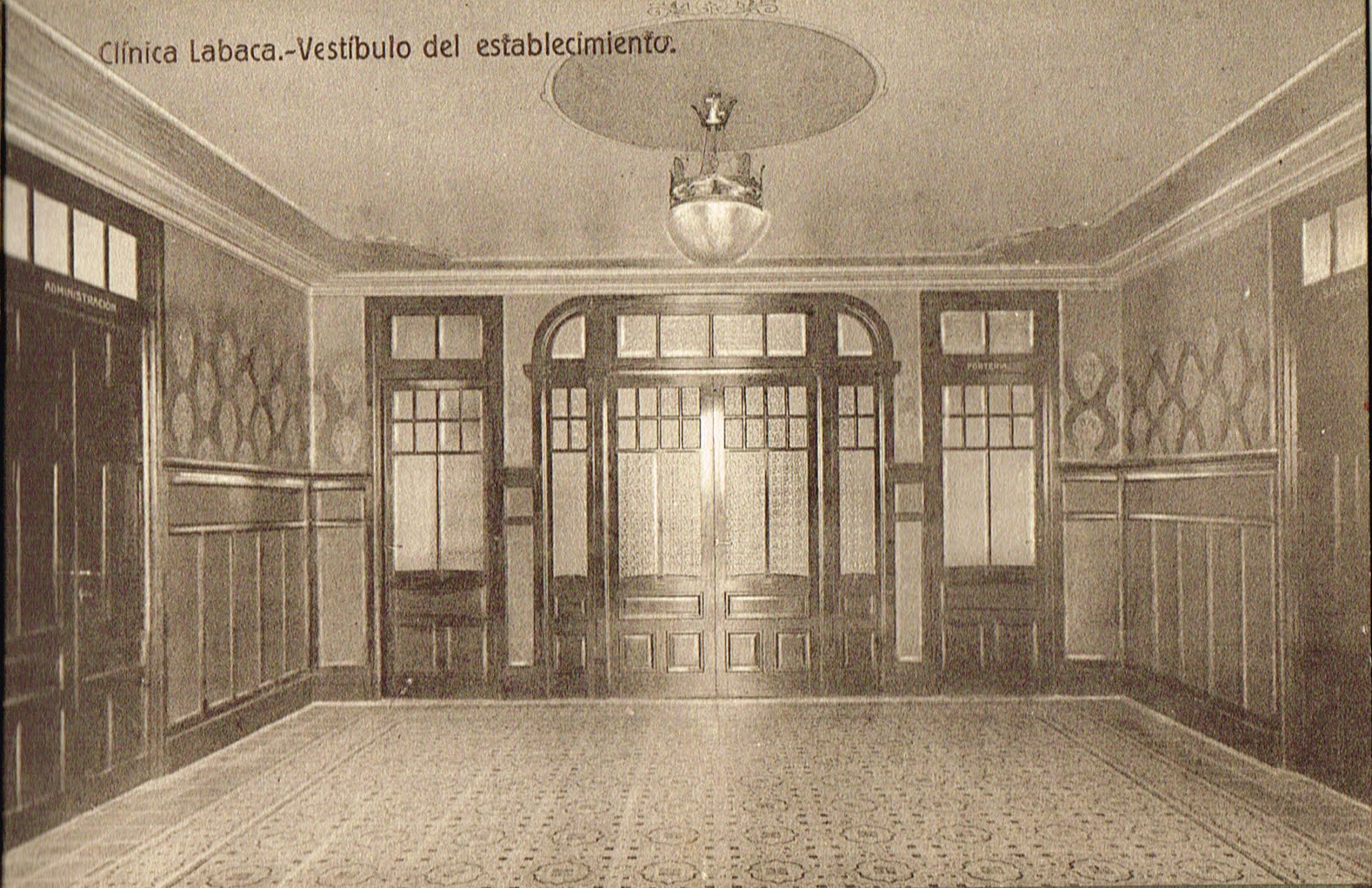 Clínica Labaca, vestíbulo